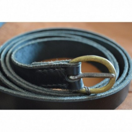 Dark, Timeless leather belt